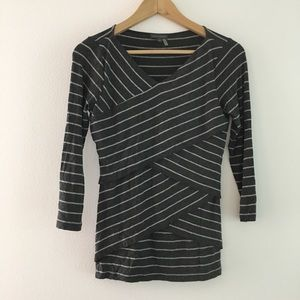 Vince camuto tiered striped knit top 3/4 sleeve